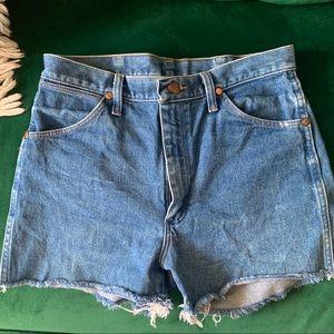 Vintage Wrangler cut off shorts size 31